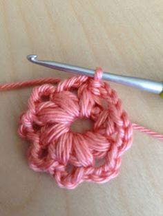 Annoo's Crochet World: Triangle and Square Puff Granny Free Pattern