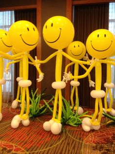 smiley face balloon people (mini ones for centerpieces/table decorations)