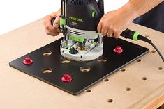 Hole boring jig with Festool OF 1400.