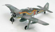 "Hobby Master 1:48 Focke-Wulf Fw190A-7/R6, ""Red 8"" JG10 'Schlangenschwarm', Parchim, Germany 1944"
