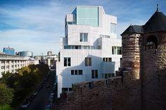 Empereur by architectesassoc. © Renaud Callebaut | Brussels | Belgium | Mixed-Use 2016 | WAN Awards #wanawards #architecture #mixeduse