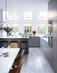 Grey kitchen ideas brings an excellent breakthrough idea in designing our kitchen. Grey kitchen color will make our kitchen look expensive and luxury. Grey Kitchen Floor, Modern Grey Kitchen, Grey Kitchen Designs, Grey Kitchen Cabinets, Kitchen Flooring, Kitchen Furniture, Pallet Furniture, Outdoor Furniture, Handleless Kitchen