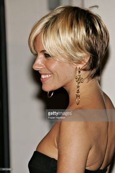 Actress Sienna Miller attends the Casanova Closing Night Gala during AFI Fest presented by Audi at the ArcLight Theatre on November 13, 2005 in Hollywood, California.