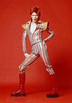 Costume-dessine¦ü-par-Kansai-Yamamoto-pour-Aladin-Sane-tour1973cSukita-The-David-Bowie-Archive