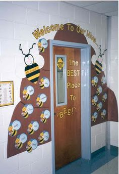 """""""Welcome To Our Hive: The Best Place to BEE!"""" - Use brown construction paper to create a hive around your classroom door and then glue bees with your students' names written on them onto the bee hive. Bee Bulletin Boards, Back To School Bulletin Boards, Preschool Bulletin Boards, Classroom Door, Classroom Displays, Classroom Themes, School Classroom, School Doors, Door Displays"""