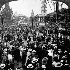 Peace celebrations, Trafalgar Square, Nov 1918