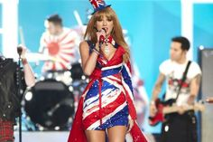 taylor swift just joined @Veró Maya on the #VSFashionShow runway & will u look at her outfit?! #BritishInvasion