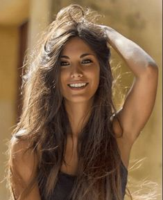 Trains, Teddy Bears and abandoned places - Frisuren für Frauen Beautiful Smile, Most Beautiful Women, Beautiful Curves, Beautiful Celebrities, Gorgeous Hair, Absolutely Gorgeous, Brunette Beauty, Hair Beauty, Brunette Woman