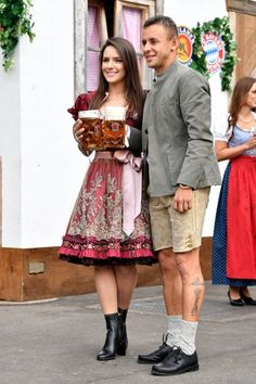 """Bayern & Germany on Twitter: """"Rafinha with his girlfriend Fernanda.… """" You Are Idiot, Mats Hummels, New Girlfriend, Munich, Girlfriends, Germany, Hipster, Twitter, Fashion"""