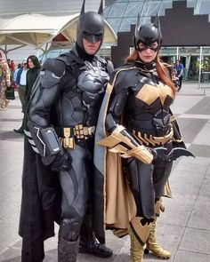cosplay that is like a live-action Alex Ross painting. cosplay that is like a live-action Alex Ross painting. Batgirl Cosplay, Dc Cosplay, Comic Con Cosplay, Anime Cosplay, Superhero Cosplay, Cosplay Armor, Marvel Cosplay, Cosplay Outfits, Best Cosplay