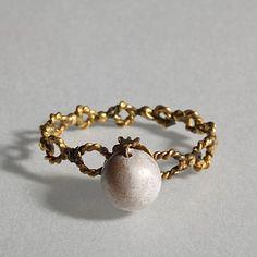 Finger ring.Roman, 200-400