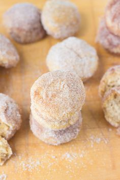 It's a mini muffin and a donut that's all natural and low calories! What a sweet treat! #donuts #muffin
