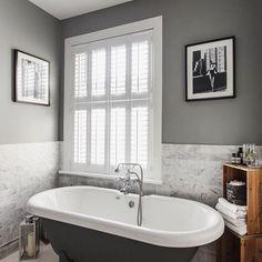 Ideas bathroom window dressing shutters for 2019 Bathroom Window Dressing, Bathroom Window Privacy, Bathroom Windows, White Bathroom, Modern Bathroom, Family Bathroom, Small Bathrooms, Wooden Window Valance, Window Valances
