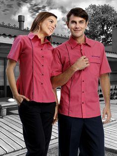 Uniforme corporativo con logo bordado en la camisa de dos piezas mixto http://www.creacionesred.com.mx/