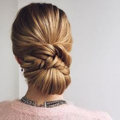 Beautiful Sleek updo wedding hairstyle. Get inspired by this braid updo bridal hairstyle,loose updo messy wedding hairstyles #UpdosClassic