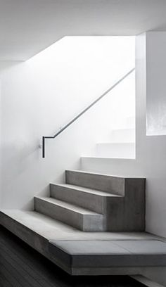 By Kouichi Kimura. Staircase Handrail, Interior Staircase, Stair Railing, Interior Architecture, Architecture Concept Drawings, Concrete Stairs, Modern Stairs, Beautiful Interiors, Stairways
