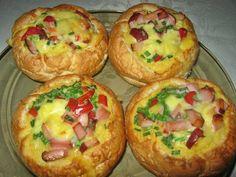 Jajecznica w bułce | Smaki Weroniki Polish Recipes, I Foods, Baked Potato, Nom Nom, Grilling, Food And Drink, Homemade, Cooking, Breakfast