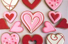 These are right up my alley...pink, red, Valentine's Day and cookies...  ;-)