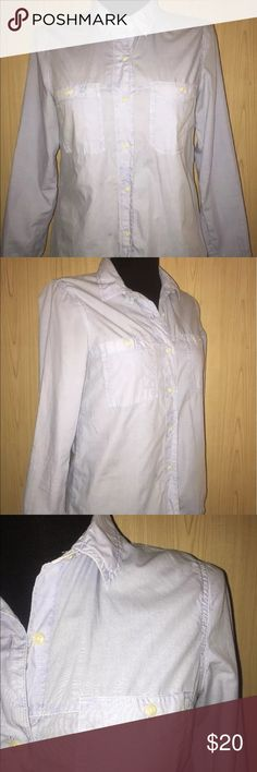 Madewell Button Down Shirt EUC, free of defects, smoke free, pet free Madewell Tops Button Down Shirts