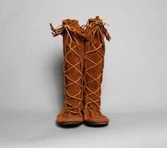 Hey, I found this really awesome Etsy listing at http://www.etsy.com/listing/168561957/70s-mens-moccasin-boots-fringed-suede
