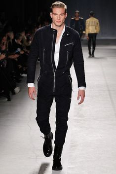Runway: Balmain X H&M Collection - Male Fashion Trends H&m Fashion, Male Fashion Trends, Runway Fashion, Winter Fashion, Fashion Show, Fashion Weeks, Fashion Boots, H&m Collaboration, Leather Jumpsuit