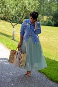 Plus Size Fashion for Women - Curvy Claudia: Pastel Dreams