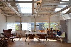 昭和初期の木造建築をリノベーション/世界初のアルネ・ヤコブセン専門店が大阪・池田市にオープン