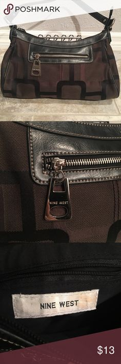 Nine West Purse Nine West Purse: -Different shades of black  -Short strap -1 zipper pocket on the outside -1 zipper pocket on the inside -Very minimal ware, rarely ever used -Small purse  Any questions, just ask!!! 💞💞 ***MAKE AN OFFER!*** Nine West Bags Shoulder Bags