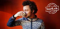 Kaffee-Meister Benjamin Hohlmann: «Wenn der Kaffee länger als 30, 35 Sekunden benötigt, bestelle ich lieber ein Mineralwasser.» © Andreas Schwald Andreas, Barista, Mineral Water, Swiss Guard, Kaffee, Baristas