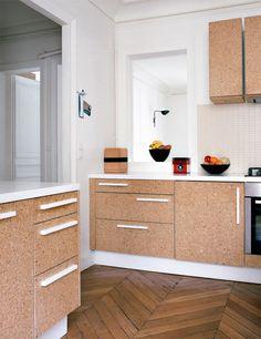 cozinha com armários em OSB