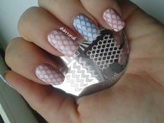 Comeback-pink manicure