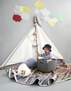 Adorable idea for a children's bedroom or playroom Cool Baby, Little People, Little Ones, Newborn Bebe, Activities For Kids, Crafts For Kids, Do It Yourself Design, Deco Design, Kid Spaces