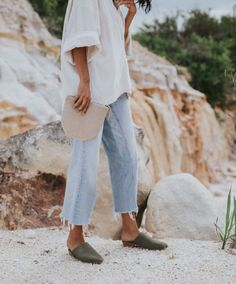 Latest Fashion Trends - This casual outfit is perfect for spring break or the summer. The Best of clothes in - Daily Fashion Outfits Looks Chic, Looks Style, Style Me, Late Summer Outfits, Outfit Summer, Summer Wear, Spring Outfits, Winter Outfits, Easy Style