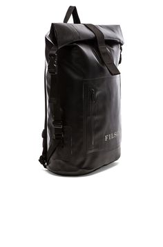 Filson Dry Day Backpack en Noir | REVOLVE