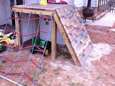 How to build a playground set for cheap legeplads ideer, havearbejde, børne Pallet Playground, Playground Set, Backyard Playground, Backyard Toys, Outdoor Fun For Kids, Backyard For Kids, Outdoor Play Spaces, Outdoor Toys, Kids Yard