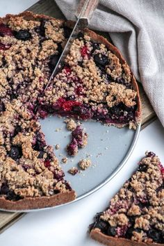 Blauwe bessen crumble taart Healthy Cake, Healthy Desserts, Delicious Desserts, Yummy Food, Healthy Food, Baby Food Recipes, Sweet Recipes, Dessert Recipes, Feel Good Food