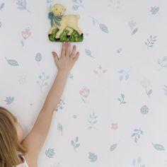 Hillevi by Sandberg - Cream / Pink - Wallpaper : Wallpaper Direct Hallway Wallpaper, Dining Room Wallpaper, Kitchen Wallpaper, Pink Wallpaper, Bedroom Wallpaper, Wallpaper Ideas, Leaf Design, Wall Design, Inspirational Wallpapers