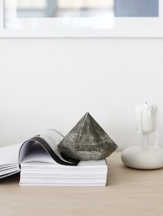 This gorgeous concrete paperweight diamond project is a must-try for any design enthusiast.