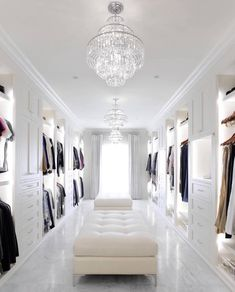 Find the perfect closet for your interior design project. Find the perfect closet for your interior design project. Discover our entire collection of luxury Walk In Closet Small, Walk In Closet Design, Walk In Wardrobe, Closet Designs, Tiny Closet, Master Closet Design, Ikea Wardrobe, White Wardrobe, Wardrobe Capsule
