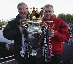 Paul Scholes believes Monday's Barclays Premier League trophy parade was the perfect send-off for retiring Manchester United manager Sir Alex Ferguson. Manchester Logo, Manchester United Football, Sir Alex Ferguson, Premier League Champions, Barclay Premier League, Match Highlights, Red Army, Man United, The Unit