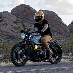 The Portuguese Moustache - Sunday ride. Motorcycle Types, Motorcycle Gear, Different Types Of Motorcycles, Bike Bmw, R80, Ride Or Die, Sportbikes, Scrambler, Custom Bikes