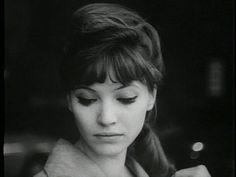 Anna Karina. Love her hair.