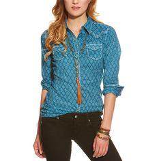 Lina Fitted Snap Shirt