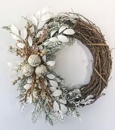 100 Best Winter Holiday Wreaths for Front Door & Porch Decor
