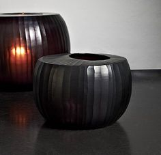 """Beautiful form with a natural cut - Vase """"Madras"""" by GUAXS in a deep, dark amethyst red."""