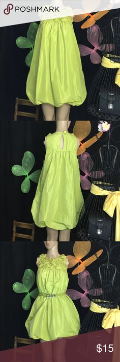 """M Forever 21 Yellow Green Mini Dress M Forever 21 Yellow Green Mini Dress with optional cute belt stone accent ..  Worn once to a party  It's a beautiful dress that's been sitting in my closet . I bought it on a regular price, it was something I wanted ...  My mannequin here is 5'8"""" tall 33"""" 24""""33 """" just so to have a idea how it fits.  Will provide tape measurements upon request   #522 Forever 21 Dresses Mini"""