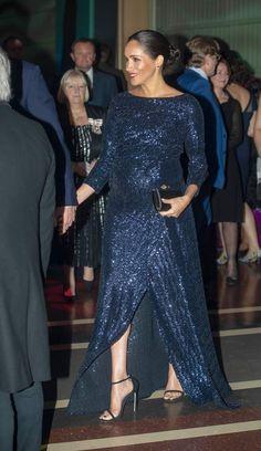 e518178a98858 Meghan Markle rend hommage à la robe à sequins Catherine Walker de Lady Di  Robe À
