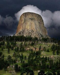 Devil's Tower, Wyoming, USA.