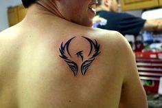 Small simple guys tribal phoenix design tattoo on shoulder blade Simple Shoulder Tattoo, Front Shoulder Tattoos, Tribal Shoulder Tattoos, Mens Shoulder Tattoo, Tribal Tattoos, Tattoo Simple, Hd Tattoos, Wrist Tattoos, Tatoos