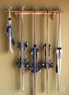 The Vertical Hercules is for the serious skier or ski family. Allowing for up to 5 pairs of skis (and poles), The Vercules is the most efficient way to store and display your equipment. Don't have wid